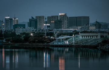 东湖夜晚-锦州