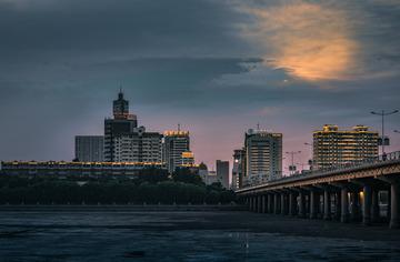 小凌河岸夜-锦州