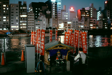 隅田川边的神社