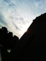 一栋仿古建筑的剪影